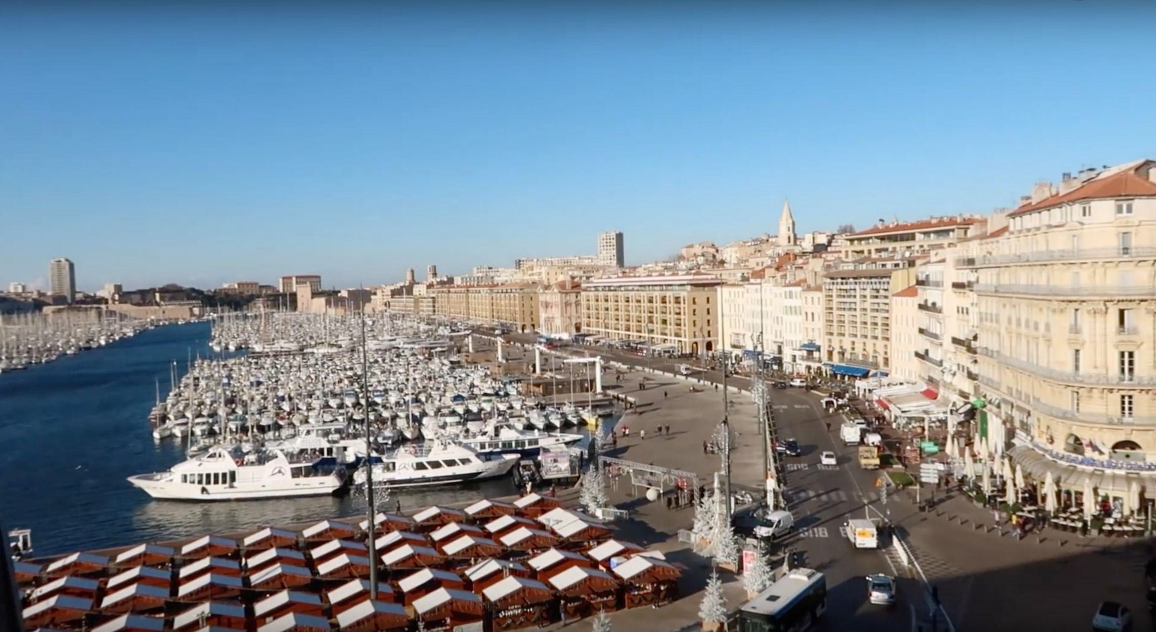 La vue de l'hôtel sur le Port de Marseille
